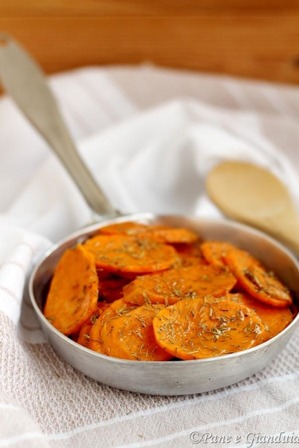 Patate dolci stufate con zenzero e timo