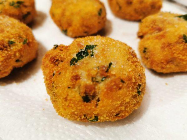 Albóndigas de patata y carne fritas 4
