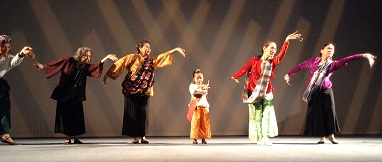 From left: Mannex Siapno, Punch Gavino, Mariel Francisco, Hannah Wadi, Ligaya Amilbangsa, Nannette Matilac during performance after the film exhibition.
