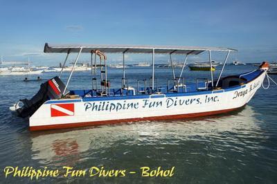 Bohol fun divers boat