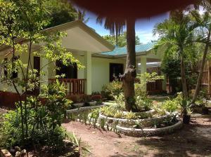 The la estrella beach resort and cabilao dive center, philippines discount rates! 004