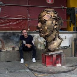 Jonathan Yeo – Self Portrait
