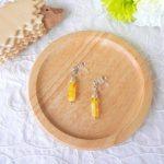 No.78 チェコビーズの樹脂イヤリング … ¥750 (大きさ:金具下2.5cm)(樹脂ノンホールピアス) (チェコビーズ二種・ロンデル等)