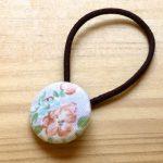 No.5-9 くるみボタンのヘアゴム … ¥200