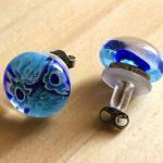 No.3-10 ガラスのピアス(ブルー) … ¥1,400 (大きさ:約1.3cm)(金属アレルギー非対応)