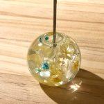 No.15-3 バブルボール メモクリップ … ¥800 (大きさ:φ4.5cm 高さ10.5cm) (ガラス・3Dプレミアムオイル・プリザーブドフラワー・ドライフラワー) (あじさい・かすみ草)