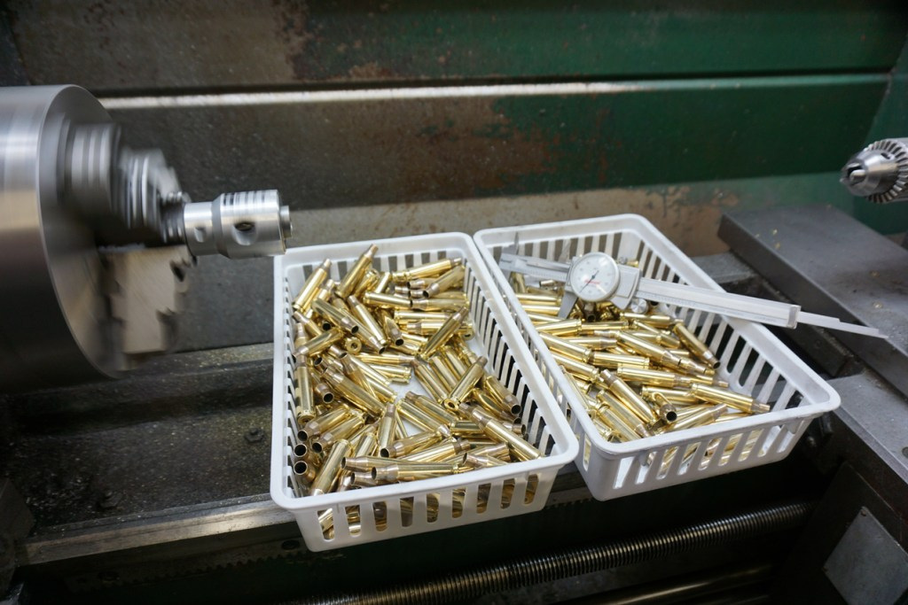 Reloading trimming brass
