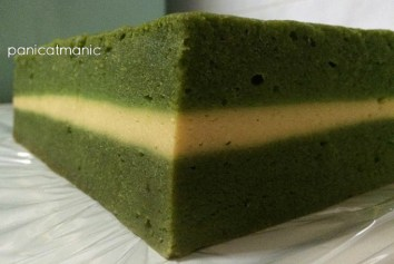Steamed Lapis Lumut Cheese by @nadyslittlebakery