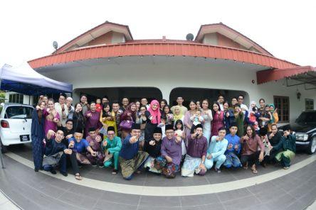 At Salleh & Aelma's Raya open house