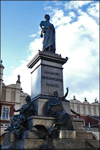 Краков. Памятник Адаму Мицкевичу