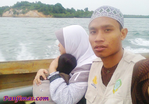 Keluarga Dai Menuju Pulau Terong Kepri