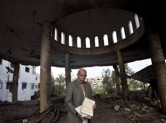 Masjid di Gaza dibom Zionis Israel 4