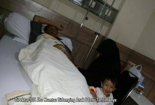 Direktur IDC Abu Mumtaz didampingi istri tercinta