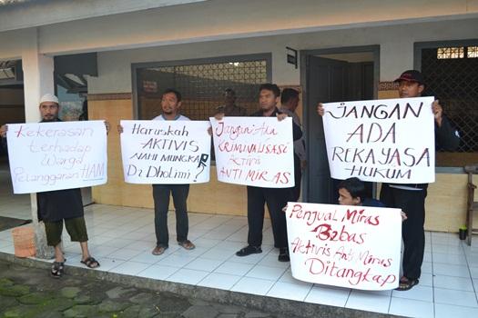 Aksi Solidaritas Umat Islam di PN Solo untuk Aktivis Anti Miras