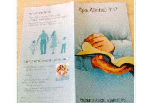 Brosur Soal Al Kitab dari Missionaris