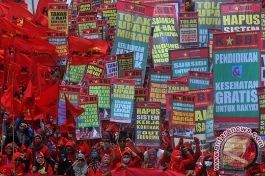 Buruh Peringati May Day 2015 di Jakarta