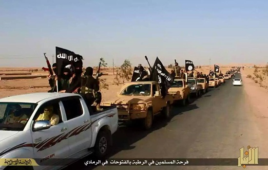 Mujahidin Daulah Islam (IS) Konvoi di Ramadi