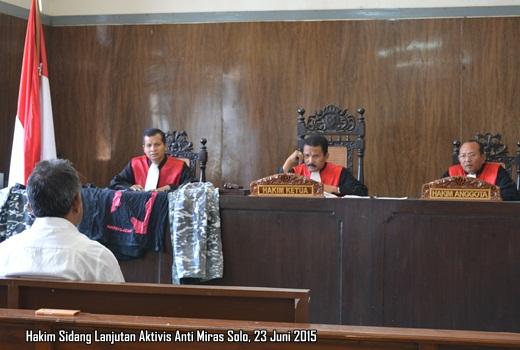Hakim Sidang Aktivis Anti Miras Solo
