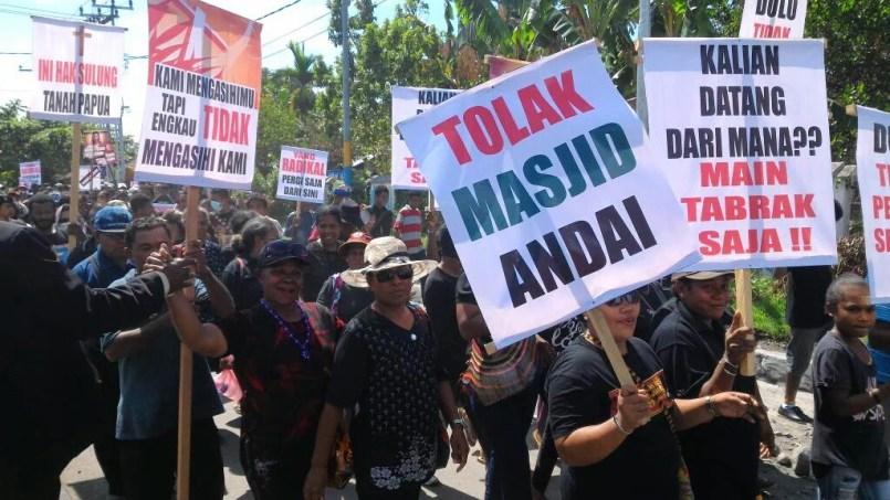 Kristen Manokwari, Papua demo tolak masjid