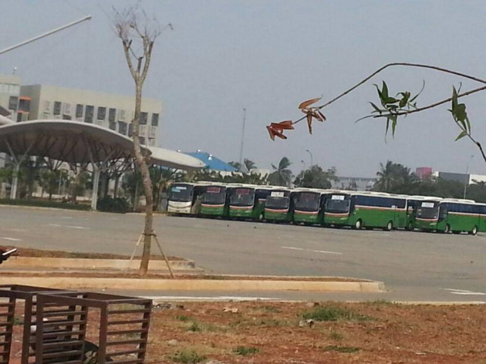 Sejumlah Bus Mayasari di Lokasi Ritual Sesat Syiah