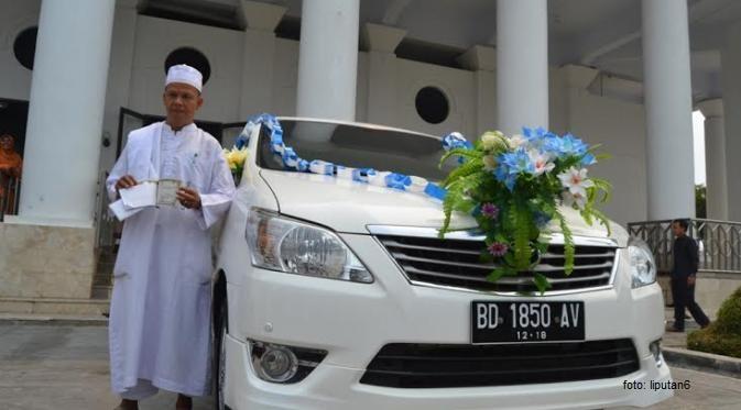 Pemkot Bengkulu Serahkan Mobil kepada Pemenang Shalat Dzuhur Berjamaah