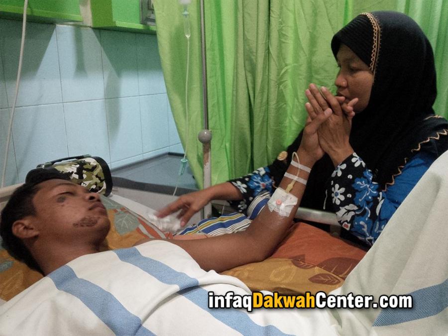 Muntabiah, Ibunda Ustadz Iqbal, berharap anaknya bisa sembuh