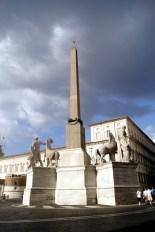 Piazza del Quirinale- obelisk
