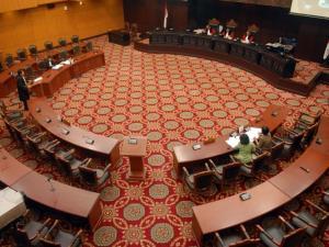 70823_suasana_sidang_sengketa_hasil_pemilu_di_mahkamah_konstitusi_thumb_300_225