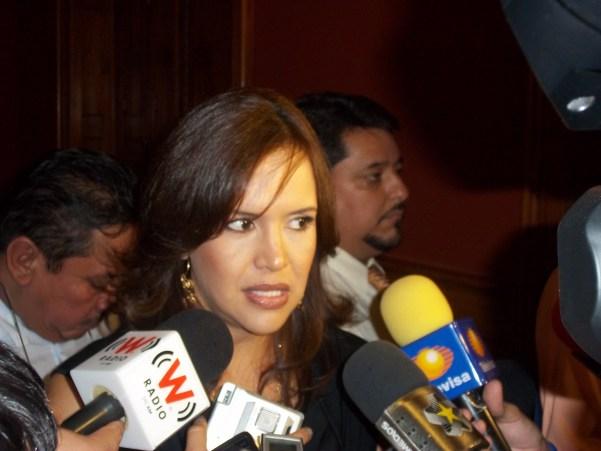 Clara Luz Flores es la única mujer que buscará una alcaldía por el PRI