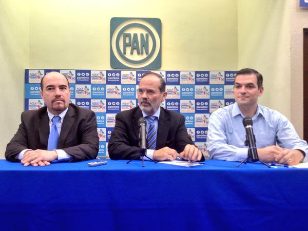 Se reunió con el dirigente estatal panista, José Alfredo Pérez Bernal