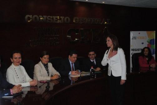 Ivonne Álvarez se registró ante la CEE