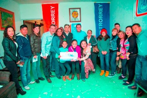 Platicó con militantes panistas de Monterrey