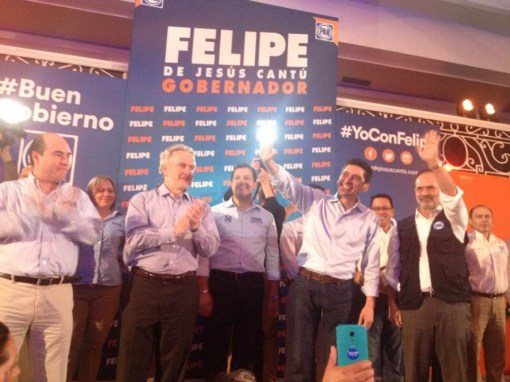Estuvo acompañado de los candidatos a las alcaldías metropolitanas
