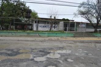 Alumnos de la Primaria Benito Juárez sufren a diario con los daños
