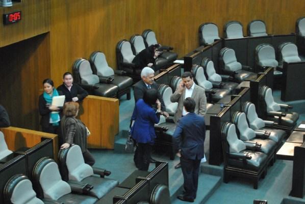 A los diputados locales ya se les hizo costumbre iniciar tarde las sesiones ordinarias