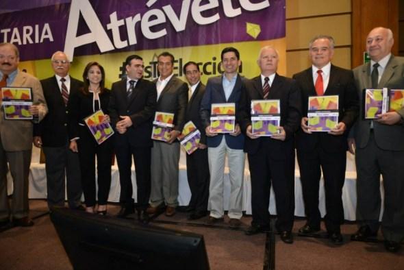 Se reunieron los 10 candidatos a la Gubernatura