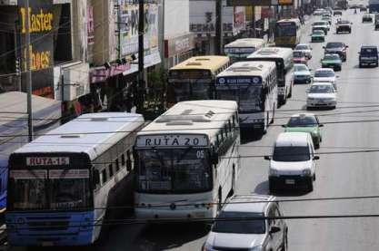 Buscan las formas para brindar transporte gratuito a jóvenes
