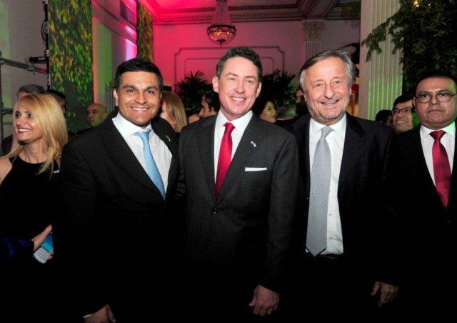 El Lic. Pablo Guelfo, el embajador Noah Mamet y el empresario Cristiano Ratazzi