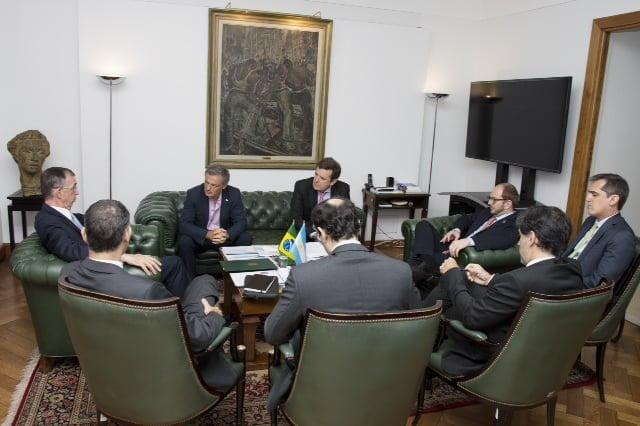 El ministro Cabrera recibió al embajador de Brasil en Argentina