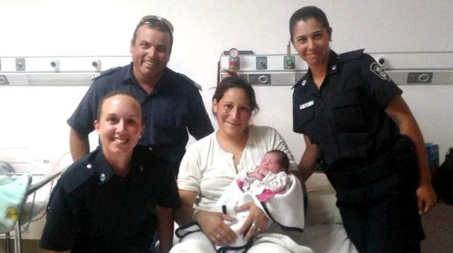 Policías del Operativo Sol parteros: Asistieron a una mujer en el nacimiento de su hija