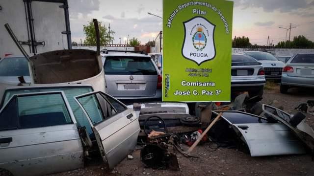 Allanaron un desarmadero de autos en José C. Paz: Encuentran In Fraganti al responsable cuando estaba en plena tarea de corte