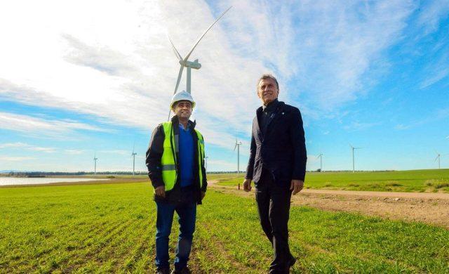 El Presidente inauguró un parque eólico que generará electricidad para 200 mil hogares
