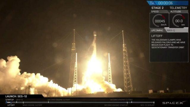 El satélite SES-12 surca el espacio a bordo del cohete Falcon 9 de SpaceX