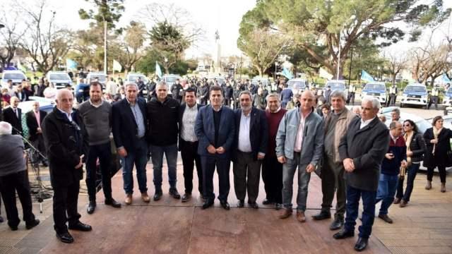 Ritondo entregó móviles nuevos para fortalecer la seguridad en el interior de la provincia
