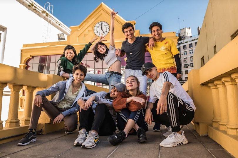 El Festival Clave es una fiesta cultural gratuita que busca visibilizar las expresiones artísticas y culturales de las chicas y chicos de 13 a 17 años.