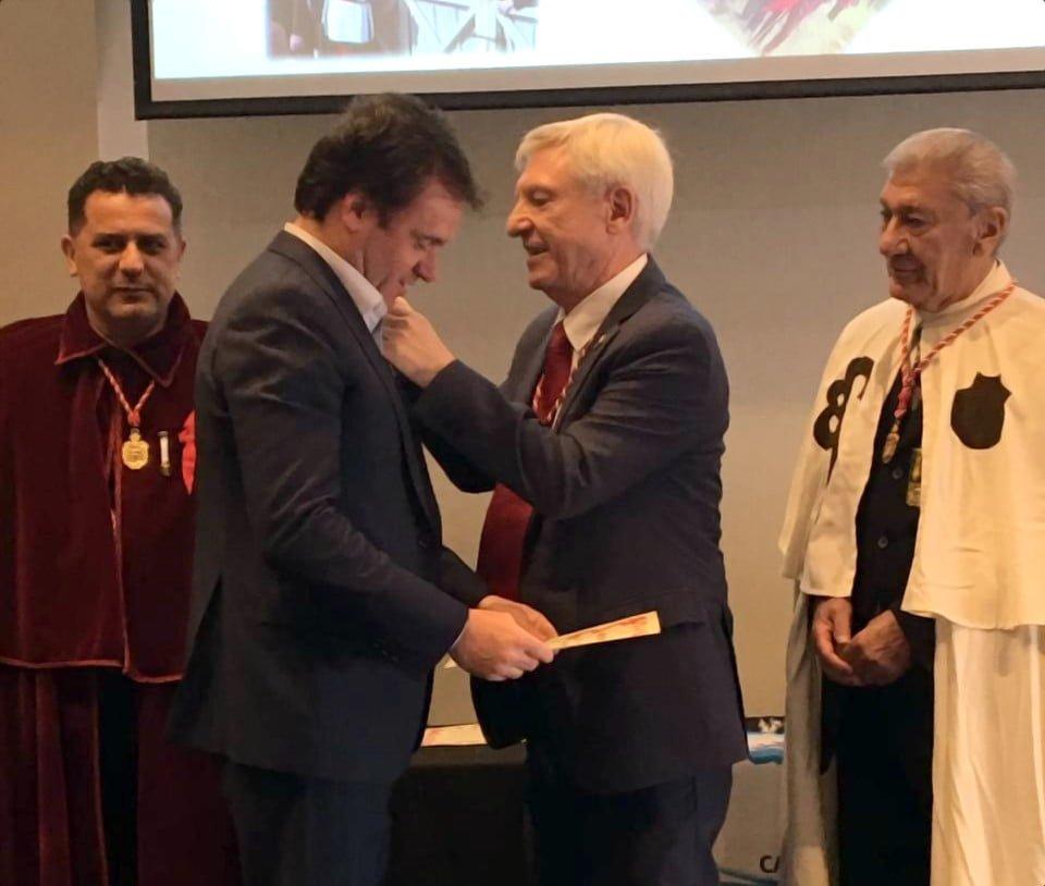 Juan Pablo Maglier de La Rural fue distinguido en la FIT por la Orden del Camino de Santiago