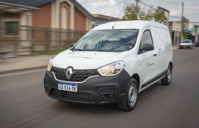 Renault ofrece pruebas de manejo para clientes profesionales