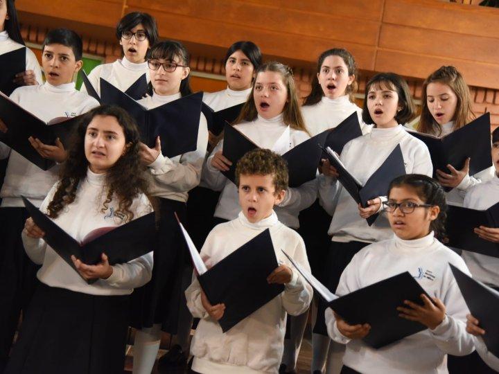 """Coro Nacional de Niños.- Mes de Diciembre : Conciertos libres y gratuitos para disfrutar """"en la víspera de la Navidad"""""""