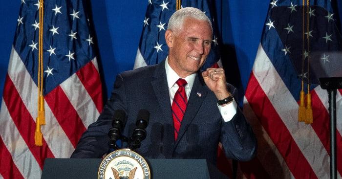 Demócratas se adelantan a mitin de Pence en área puertorriqueña de Florida