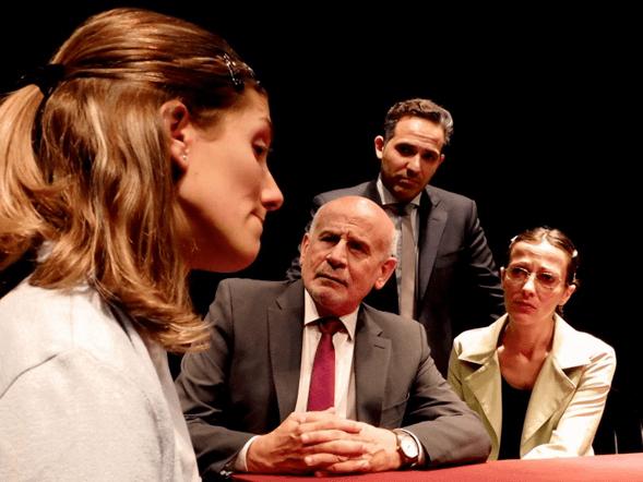 """""""Claveles rojos"""" en el Teatro Metropolitan Sura"""